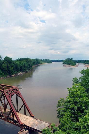 White River at DeValls Bluff