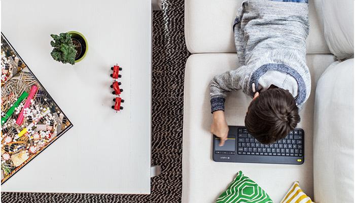 Logitech K400 Plus Wireless Keyboard 7