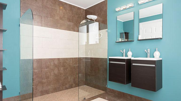 El diseño y la distribución dentro del baño son determinantes