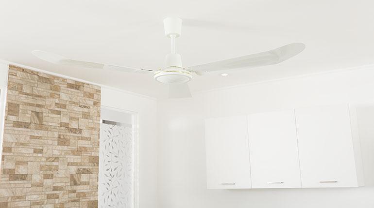 Un moderno ventilador luce apropiado para decorar su cocina | Ferretería EPA