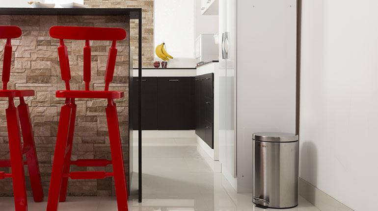 Colores sólidos combinados con tonos fuertes como el rojo refuerzan la armonía su cocina | Ferretería EPA