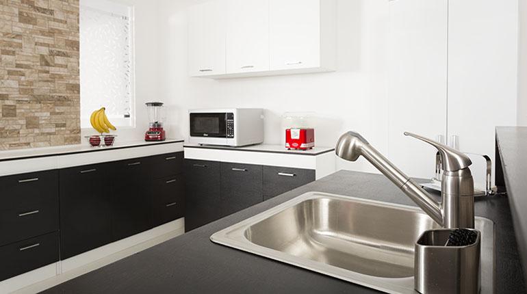 Las cocinas de estilo contemporáneo se caracterizan por tener el balance entre elegancia y sobriedad | Ferretería EPA