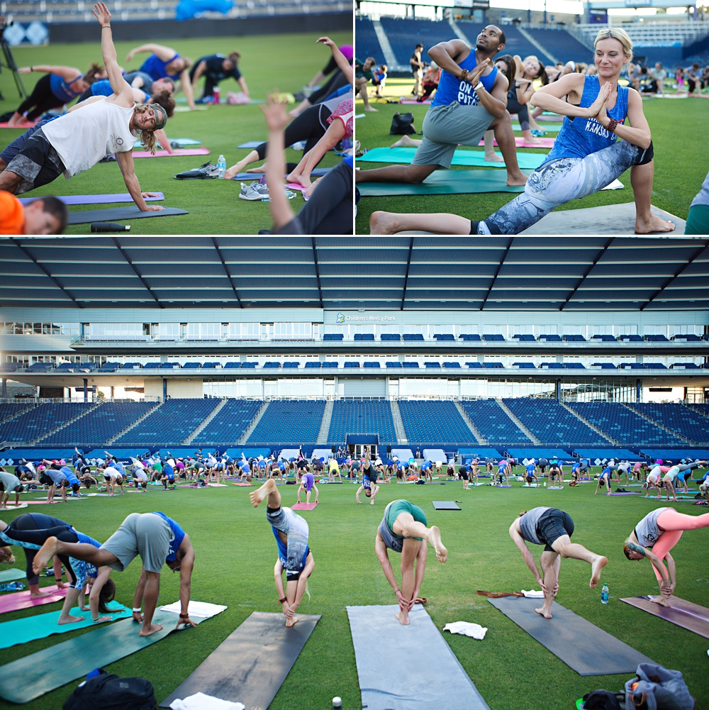 Sporting KC Yoga on the Pitch // KC Fitness Photography // epagaFOTO