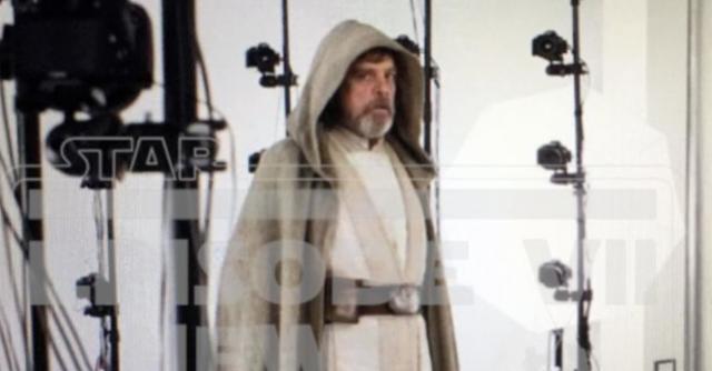 Luke Skywalker dark side theory Screen_Shot_2015-08-13_at_5.48_.00_PM_