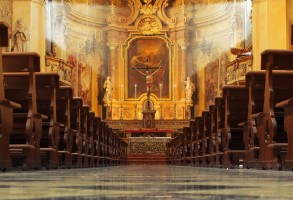 church-pews-110314