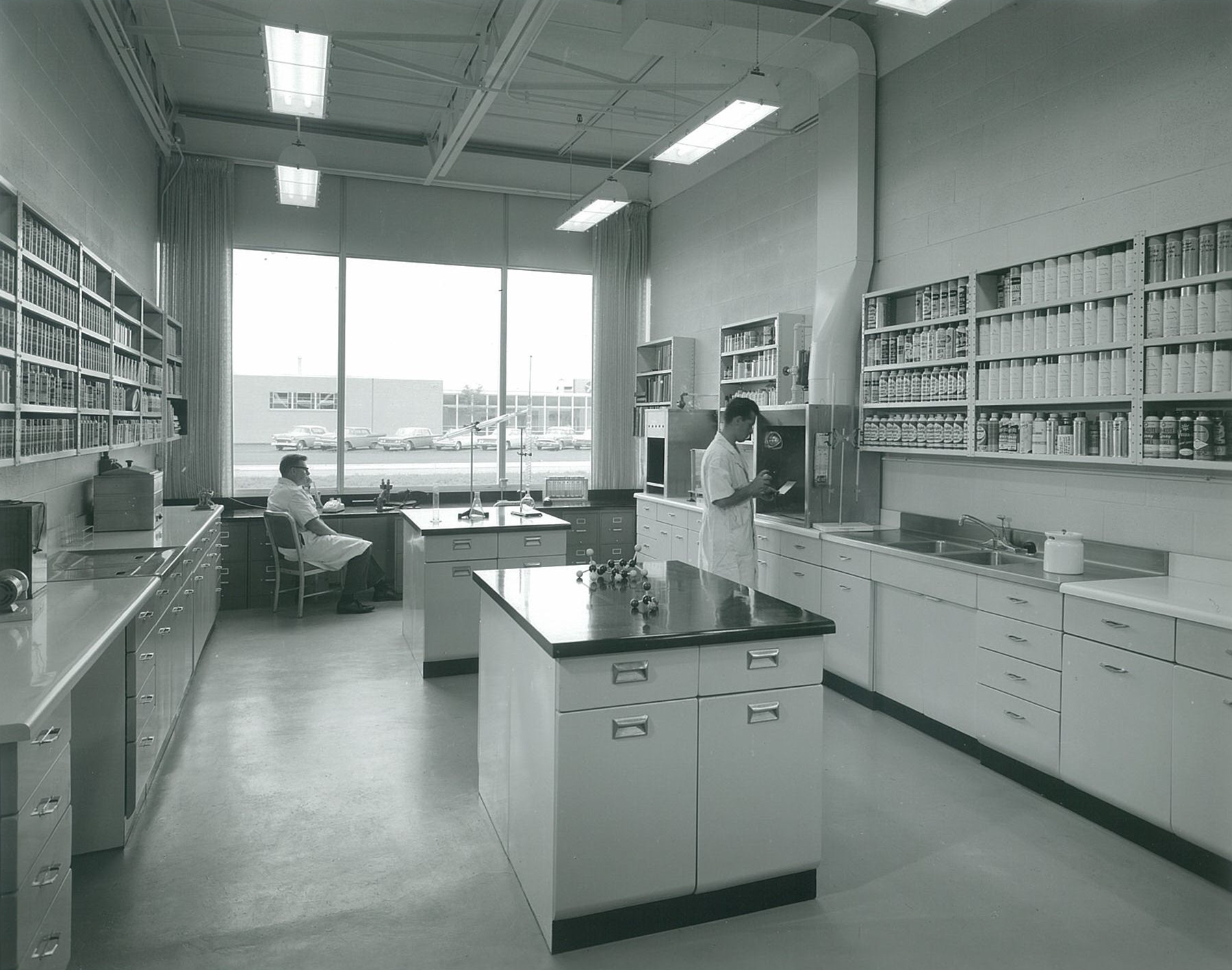 Throwback Thursday – Dupli-Color Office & Production Plant | Epstein
