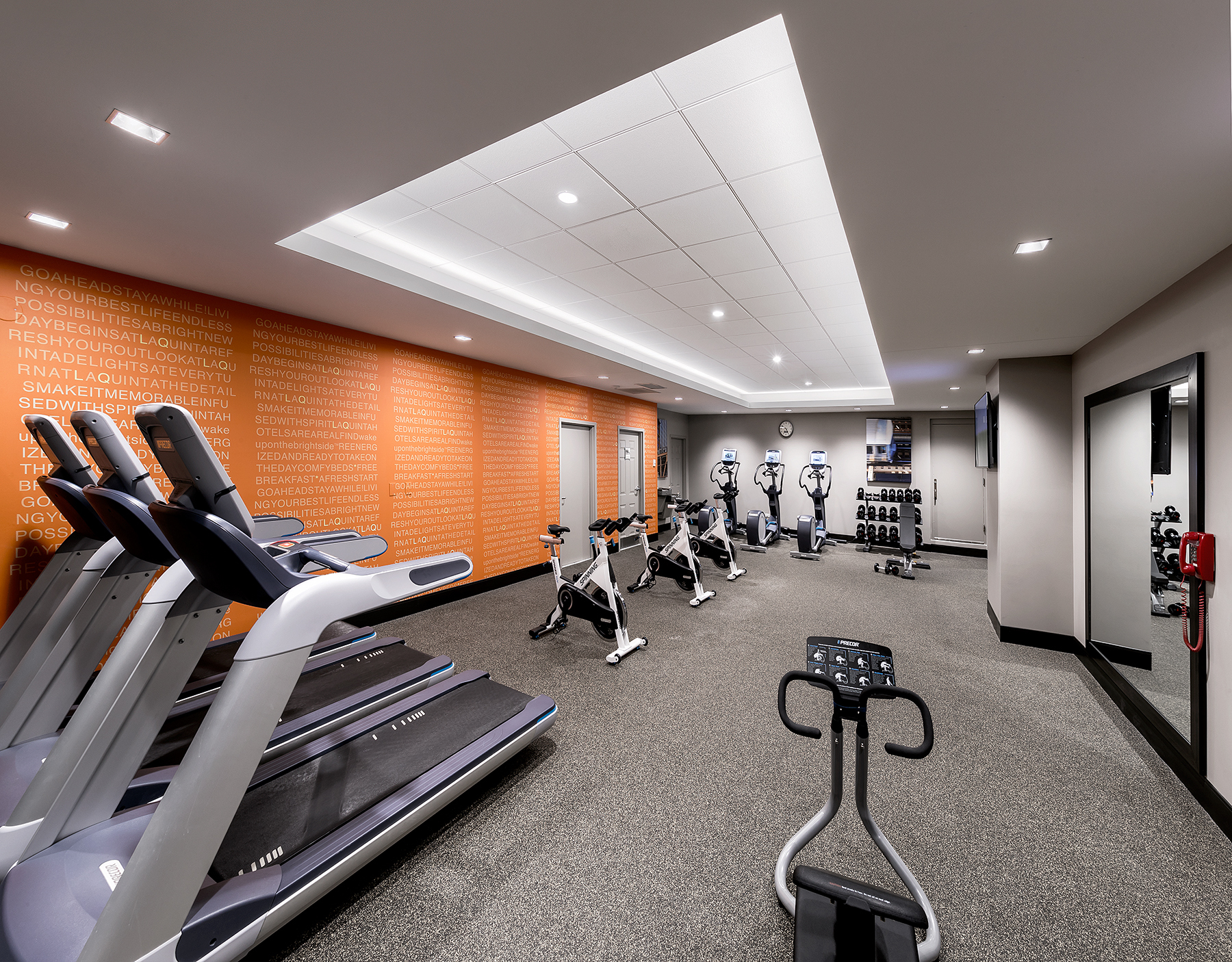 LaQuinta_ChicagoIllinois_FitnessRoom01_B