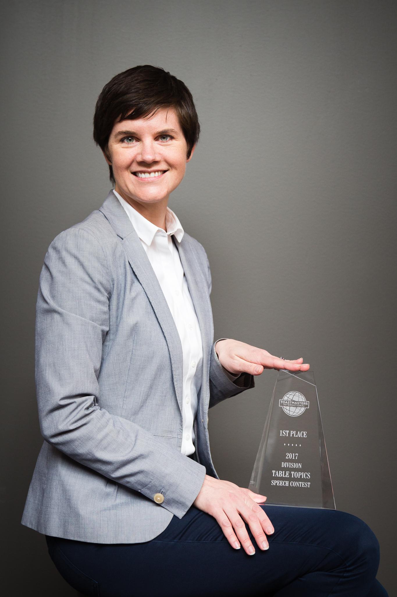 Laura-Rebbe-award.jpg?mtime=201704131343