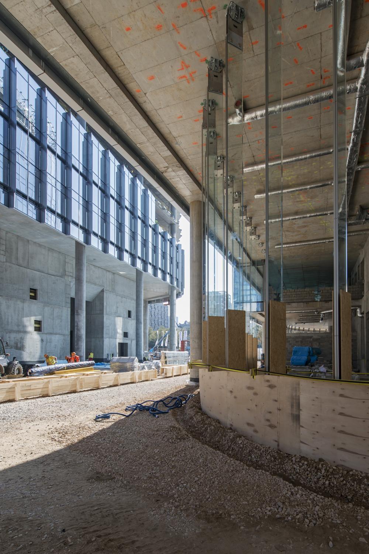 Mennica-Tower-Construction-Progress-Phot