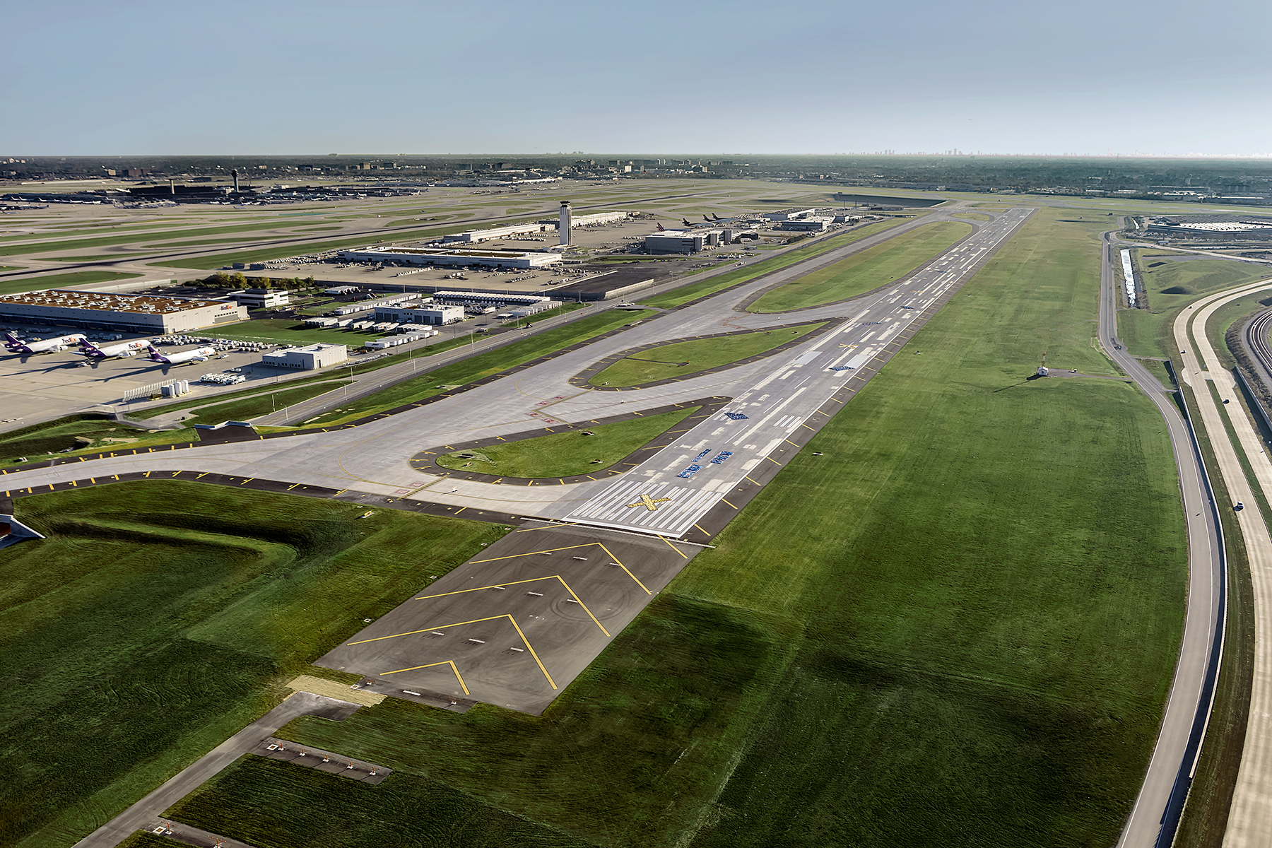 O'Hare International Airport, Runway 10R-28L | Epstein