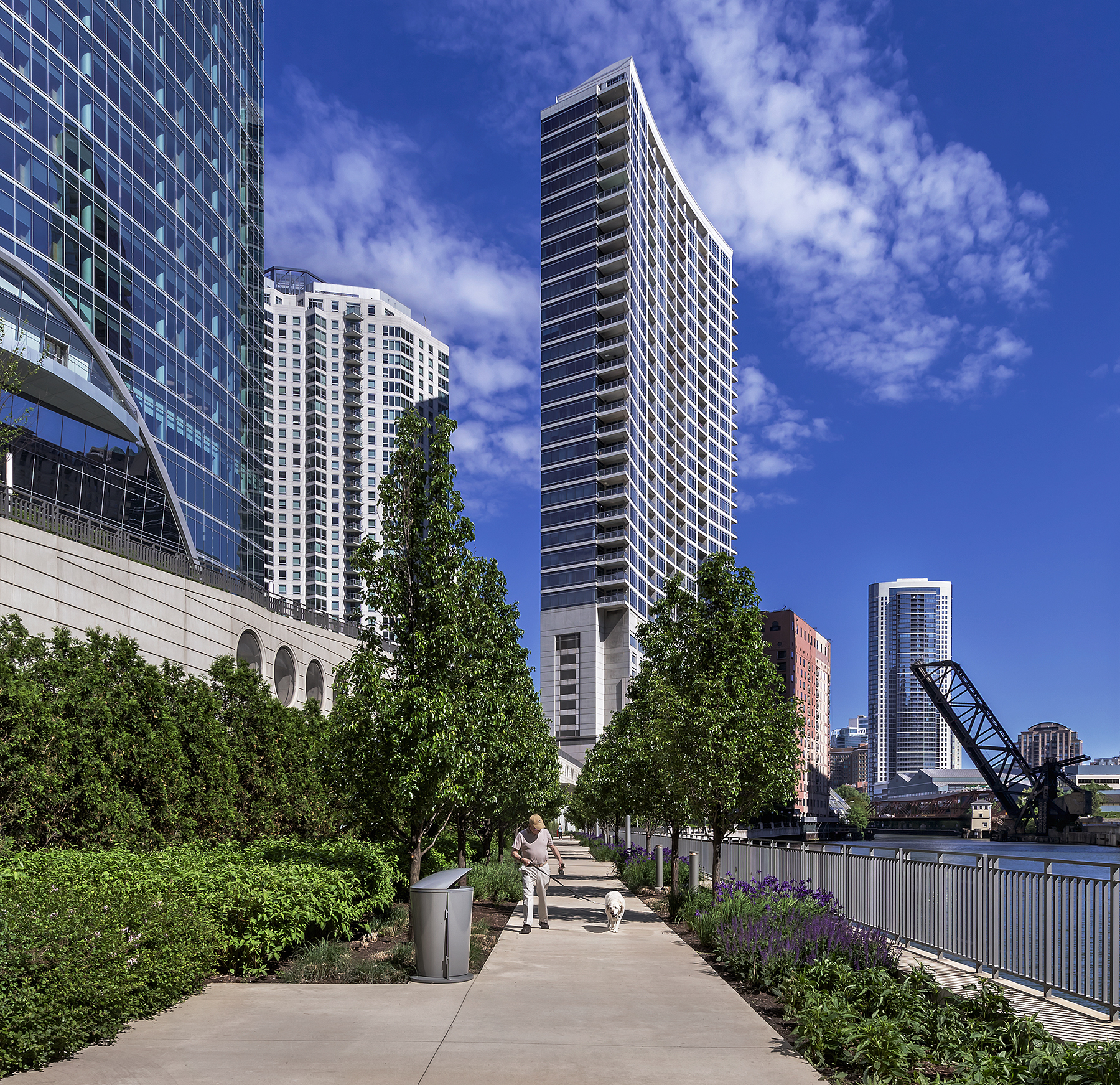 River_Point_Chicago_Illinois_Riverwalk05