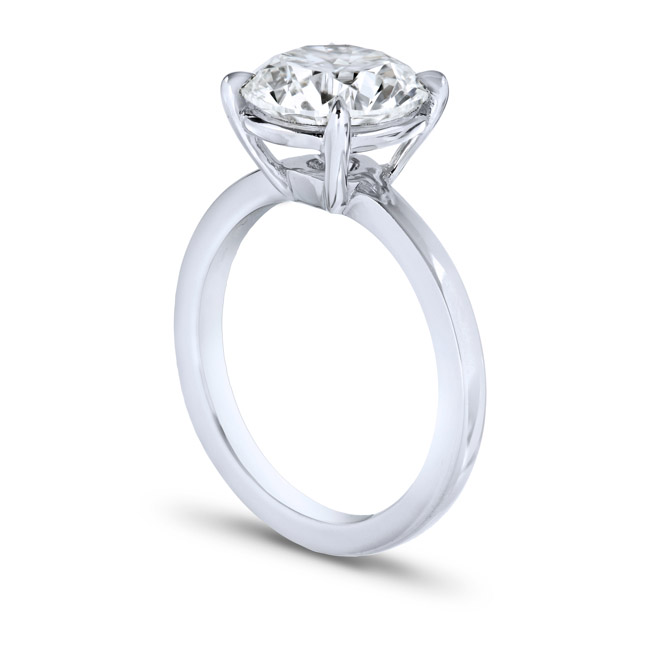Classic solitaire,round cut, single prong, side view