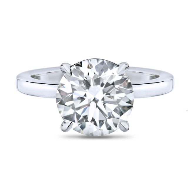 Classic solitaire, round cut, single prong