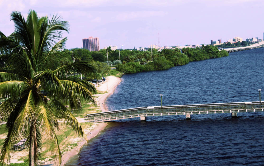 Retire in cape coral overview for Best places to retire in florida
