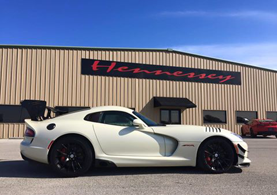 Road Trip in the 2016 Dodge Viper ACR - Blog | ERNLive.com