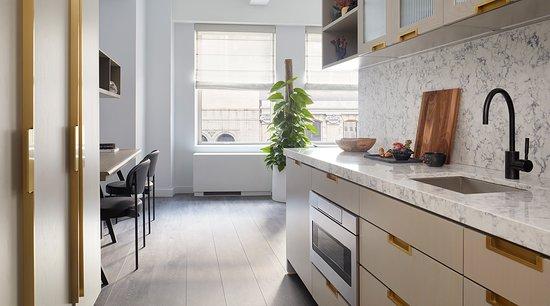 deluxe-king-studio-kitchenette