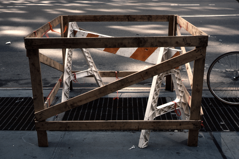 keyes-07-barricades