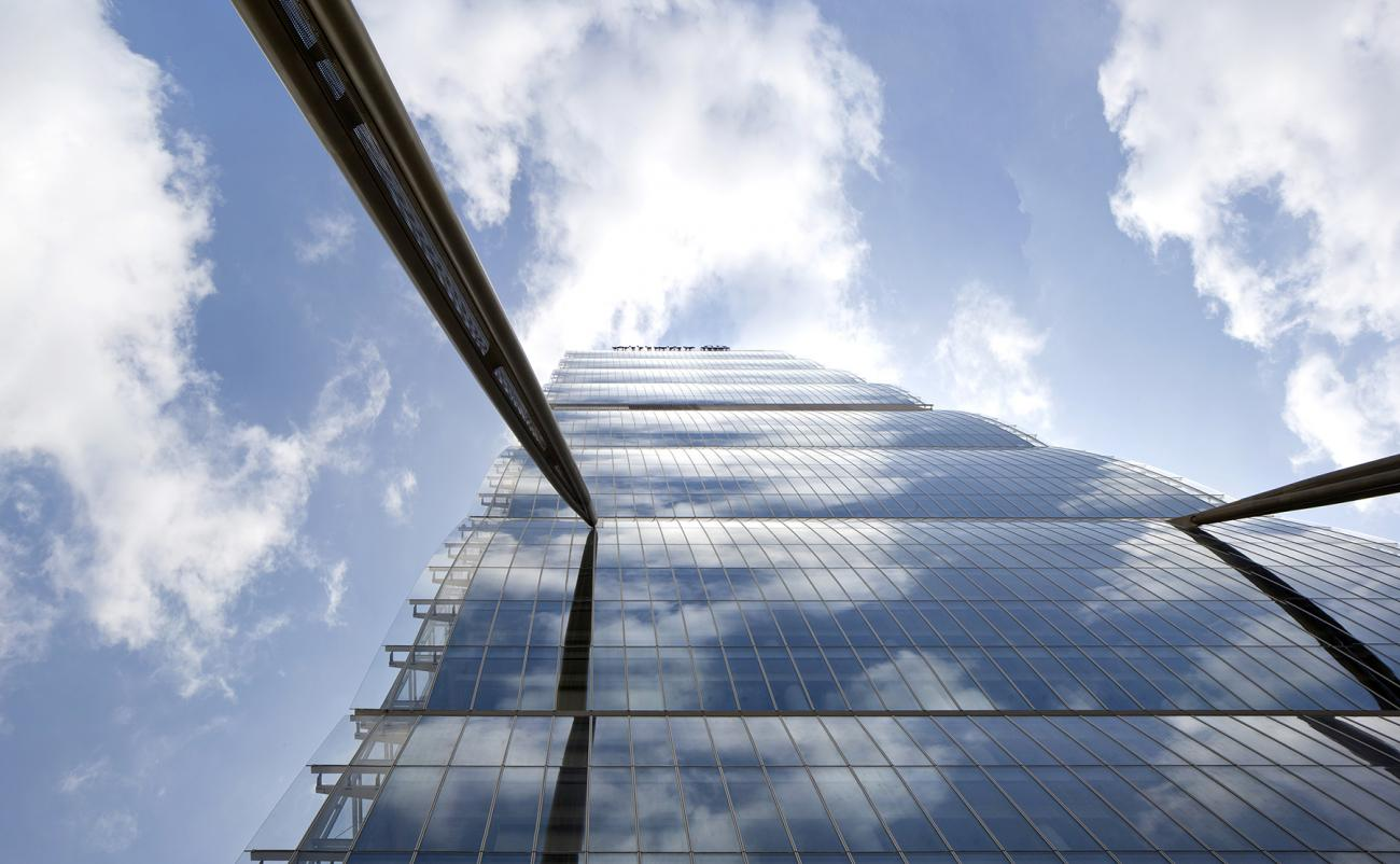 Looking up, Allianz Tower (2014), Alessandra CHEMOLLO-web_V2_0