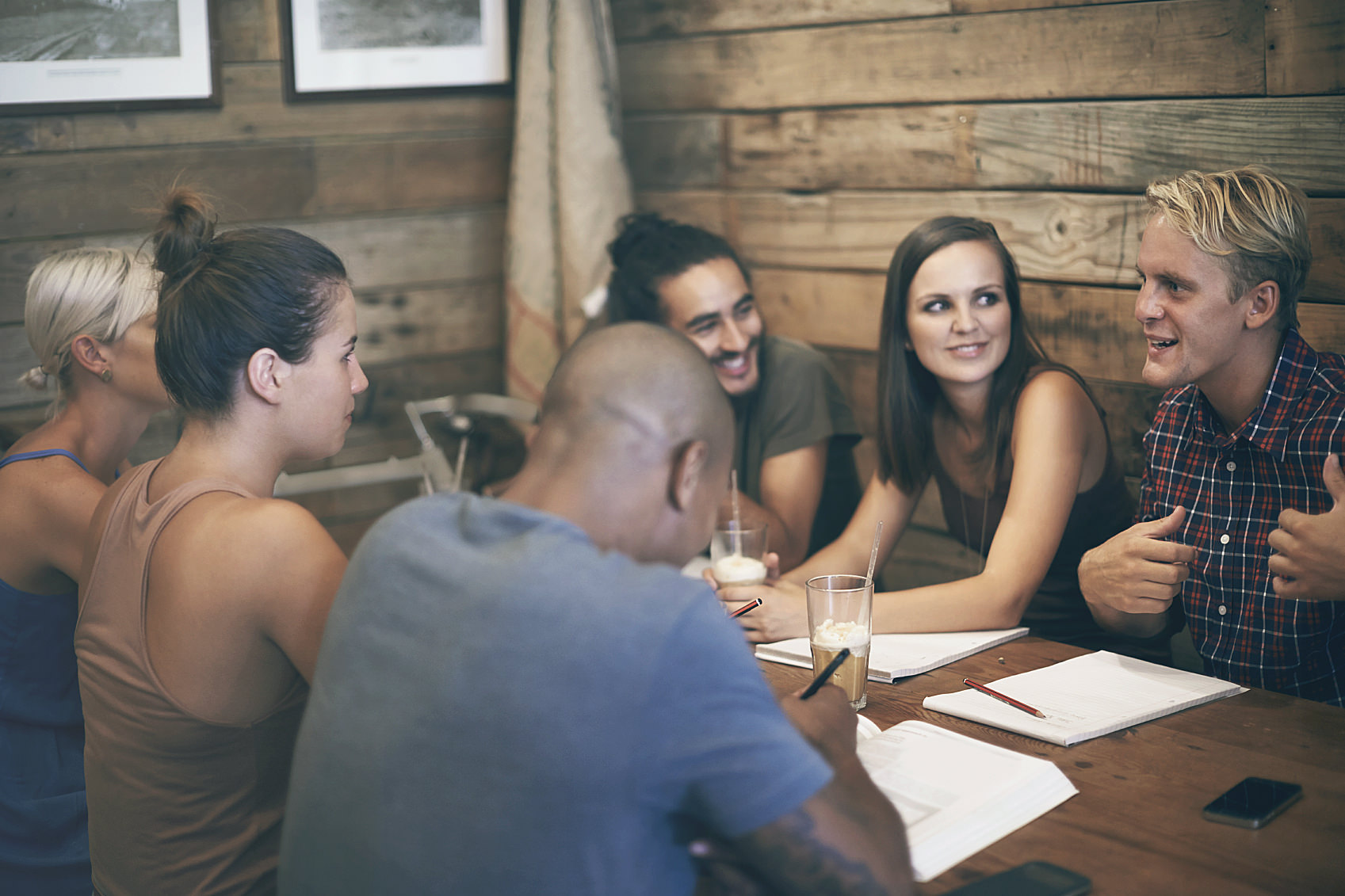 2 ways to encourage group conversation