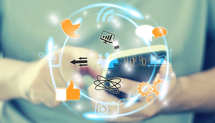 5 Colossal Reasons to Focus on Social Customer Service