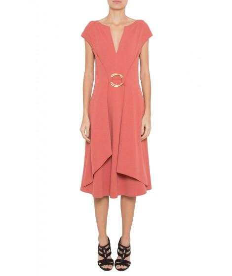 vestido bouclê com fivela