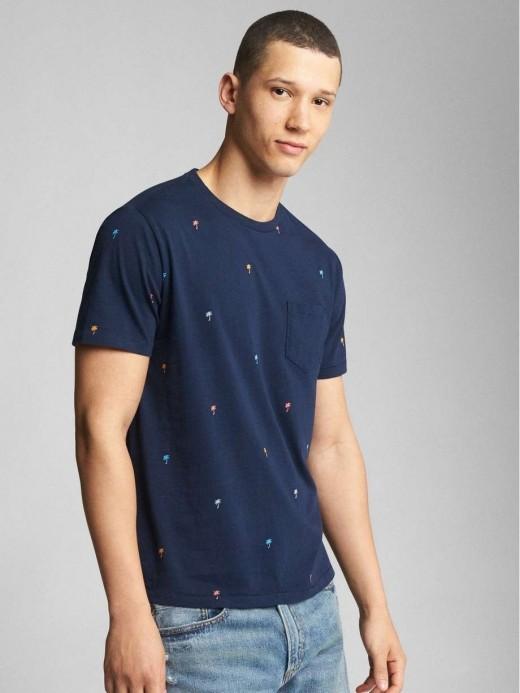 Camiseta masculina adulto com bolso e estampa