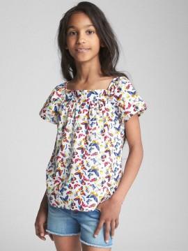 Blusa feminina infantil com estampa de borboleta e gola quadrada