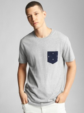 Camiseta masculina adulto lisa com bolso