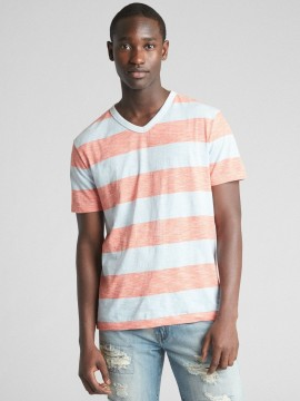 Camiseta masculina adulto listrada com gola V
