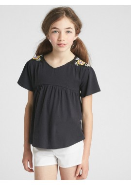 Camiseta feminina infantil com bordado no ombro