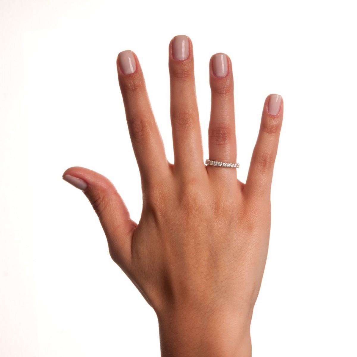 6b4b10066eb9e aliança volta inteira ouro branco com diamantes