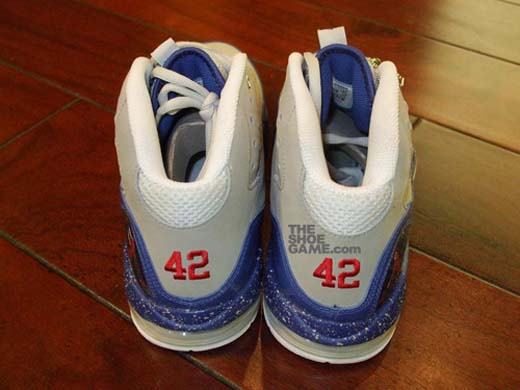 "hot sale online ba292 513e2 ""Jackie Robinson"" Nike Air Griffey Max Swingman Remix"