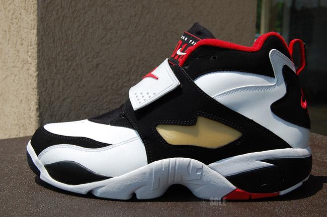 4ec69a208aa5 ... Nike Air Diamond Turf Deion Sanders Signature Shoe Back for 2010 ...