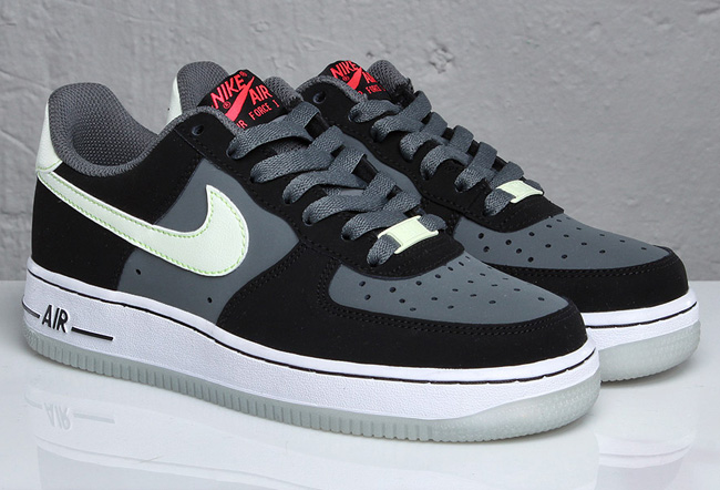 Nike Air Force 1 Low LE (GS)  Black  Nano Grey