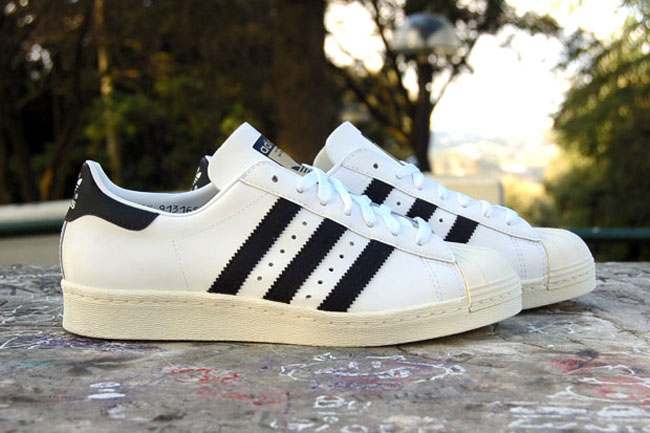 the latest 06e32 888d7 adidas superstar retro