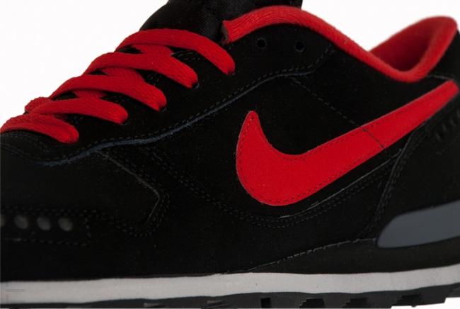 huge selection of f7ec3 013b2 Nike Air Venture (Vector)   Black   Red