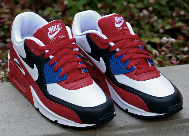 red white blue nike air max