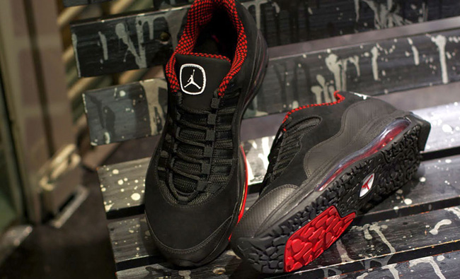 Jordan CMFT Air Max 10 | Black / Varsity Red ...