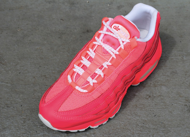 super popular c28d9 0b40f Nike WMNS Air Max 95   Hot Punch - OG EUKicks Sneaker Magazine