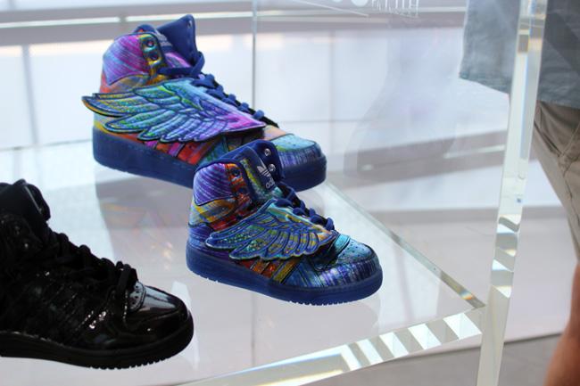 EUKicks adidas Originals Jeremy Scott Wing Hologram