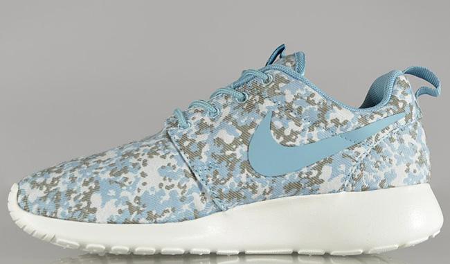15346bd7c9ba Nike WMNS Roshe Run Premium