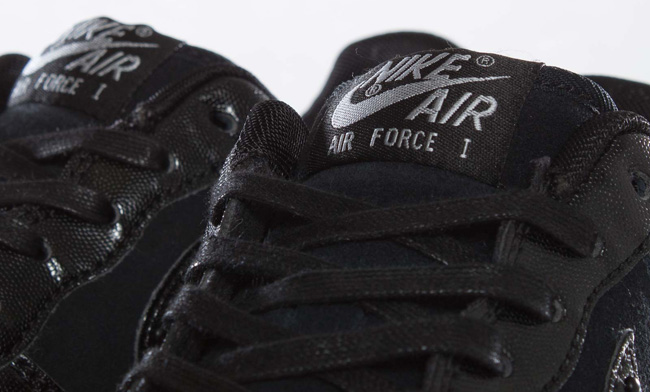 Nike WMNS Air Force 1 Low LE QS XXX | Black & Metallic Silver