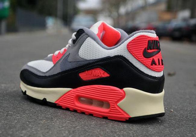 "Preview: Nike Air Max 90 OG VNTG ""Infrared"""
