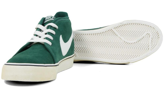 best website 01ebc 0d0fc Nike Toki Vintage