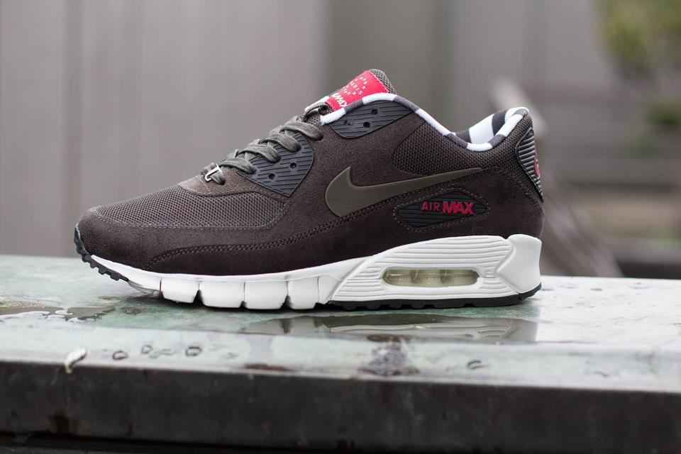 nouveau style a025b 5687c Nike Air Max 90 Current News - OG EUKicks Sneaker Magazine