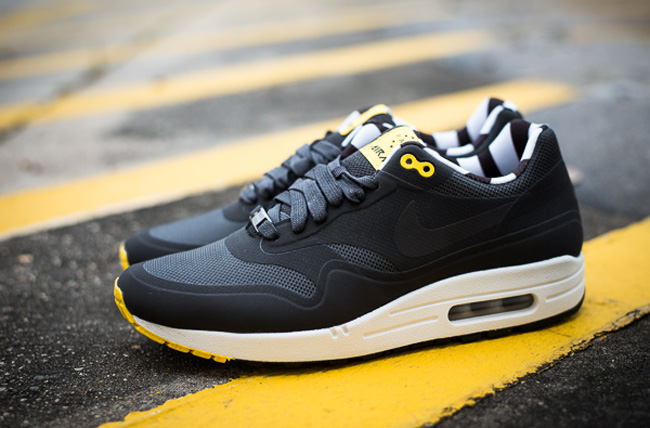 nike air max 1 paris hyperfuse black