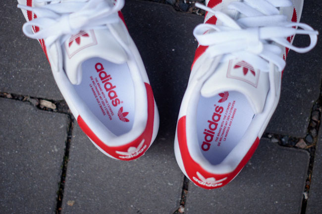 adidas superstar scarlet