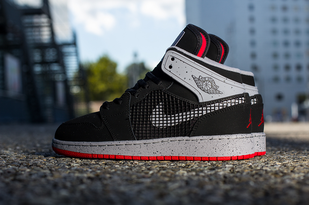 bb445d90c19 spain releasing air jordan 1 retro 89 âœblack fire redâ 22cbb cf50c