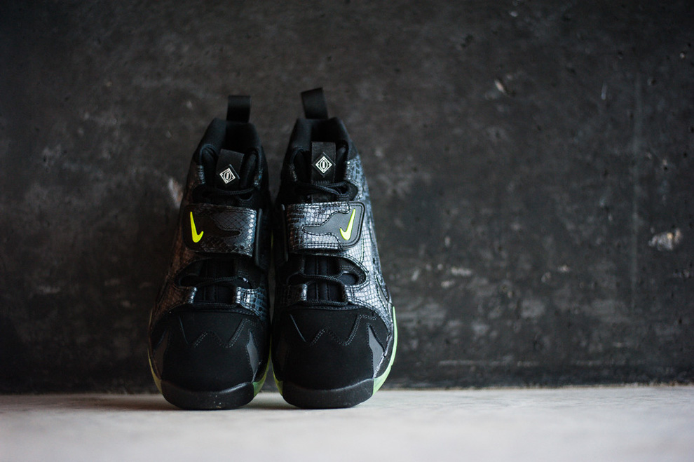 new concept 77a58 c92e7 nike air dt max 96 snake glow