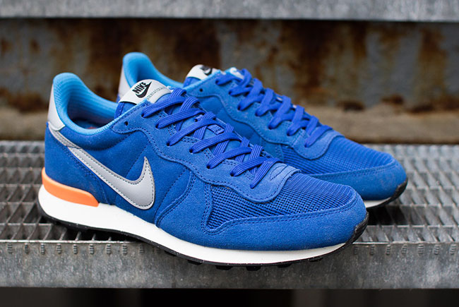 check out 98b2a e68c0 nike internationalist blue orange